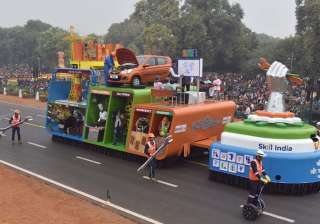 The tableau of the Ministry of Skill Development Entrepreneurship passes through the Rajpath, on the occasion of the 68th Republic Day Parade 2017.