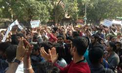 Students protest at ITO against alleged violence by ABVP- India Tv