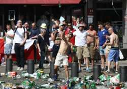 Violence between Russian and British fans in Euro Cup
