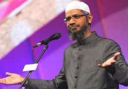 As agencies turn up probe heat, Zakir Naik finds support