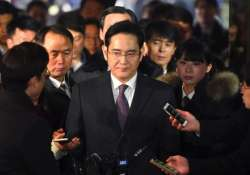South Korean court rejects arrest warrant For Samsung heir
