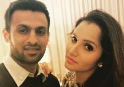 Shoaib Malik giving some serious couple goals