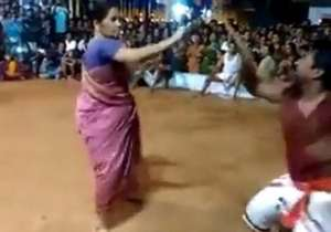 Kalaripayattu master Meenakshiamma performing a routine- India Tv