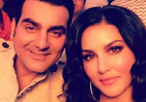 Sunny Leone's picture with Arbaaz Khan- India Tv