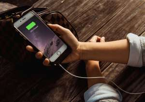 6 common battery saving tips that will NOT boost your- India Tv
