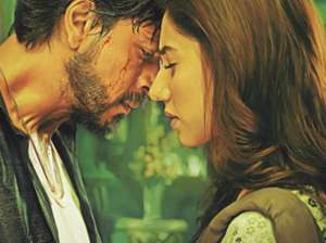 Shah Rukh returns with a bang in 'Raees',...