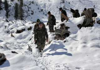 Five soldiers rescued from avalanche in J&K's...