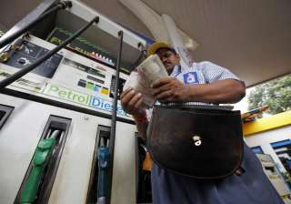 Petrol price surges by Rs 1.29 a litre - India TV