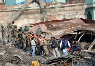 Kanpur building collapse: 30 people still feared...