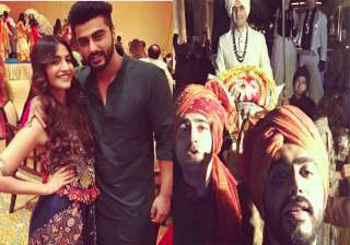 Sonam Kapoor and Arjun Kapoor on cousin's wedding - India TV