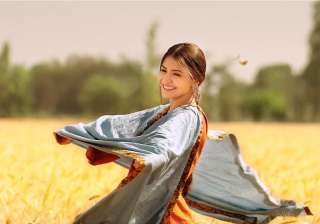 Anushka Sharma won many hearts again by asking...