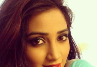 It's Shreya Ghoshal's birthday. Here's how...