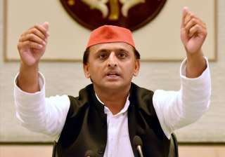 Akhilesh Yadav addressing media in Lucknow -...