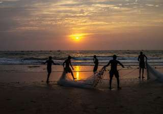 10 Indian fishermen arrested by Sri Lankan Navy -...