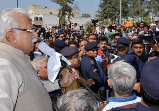 Jat agitation called off after talks with CM...