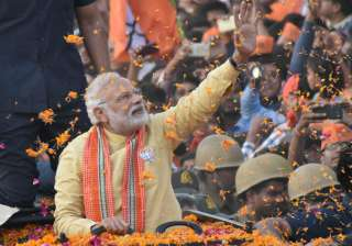 Modi accuses Akhilesh govt of being anti-farmer -...