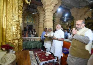 PM Modi, Amit Shah offer prayers at Somnath...