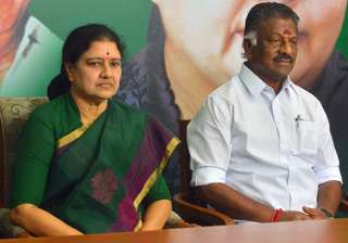 File pic of VK Sasikala and OPS - India TV