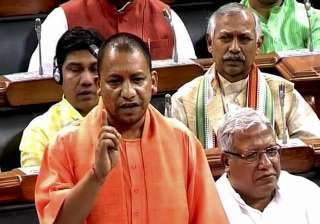 Yogi Adityanath makes surprise visit to Lok Sabha...