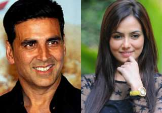 Akshay Kumar and Sana Khan - India TV