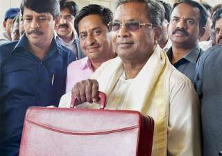 Siddaramaiah offers sops to students, farmers in...