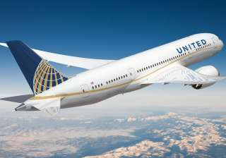 United Airlines faces criticism for barring girls...