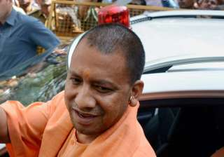 CM Yogi Adityanath bans pan, gutkha in UP offices...