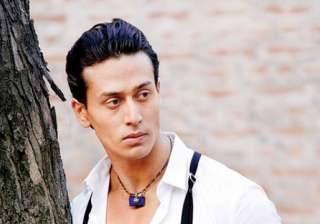 RGV attacked Tiger Shroff on Twitter - India TV