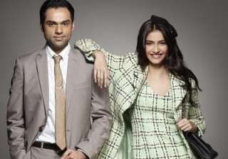 Abhay Deol Vs Sonam Kapoor - India TV
