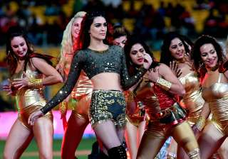 Kriti Sanon's scintillating performance at IPL 10