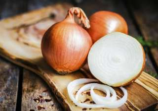 Here are 6 amazing ways to use 'Onions' as...