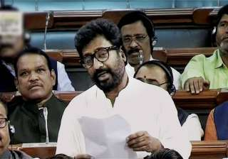 Shiv Sena MP Ravindra Gaikwad apologises to...
