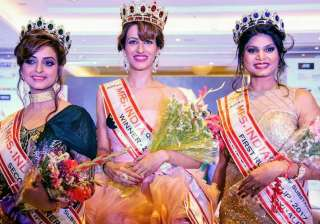Rashmi Uppal bags 2nd runner up in Mrs India Queen - India TV