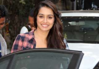 shraddha kapoor gifts a watch to her spot boy - India TV