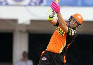 Yuvraj slams 23-ball 50 with a massive six -...