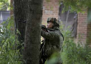 2 Pakistani troopers killed in army's counter...