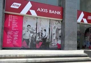 After SBI and other rivals, Axis Bank cuts home...