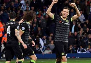 Chelsea beat West Bromwich to clinch English...