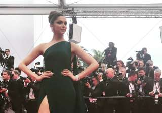 Deepika in a green gown - India TV