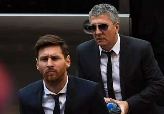 Lionel Messi and his father Jorge - India TV