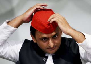 Akhilesh Yadav stirs controversy with remarks on...