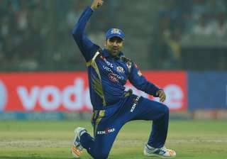 Rohit Sharma celebrates after MI beat DD by 146...