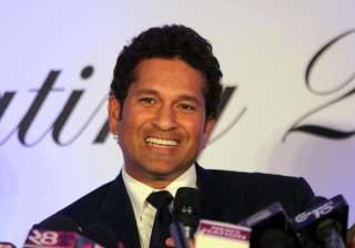 Tendulkar, Dravid, other players want India to...