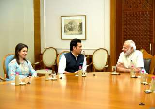 Sachin Tendulkar meets PM Modi - India TV