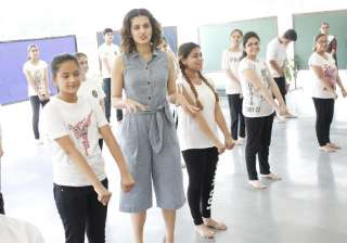 Taapsee Pannu revisits her school in Delhi, see...