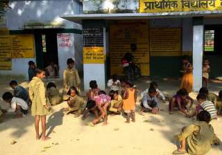 1,366 schools in UP running without proper...