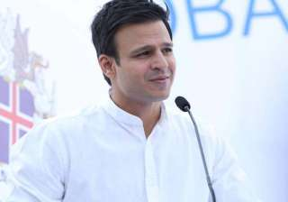 vivek oberoi donates flats to sukma martyrs - India TV