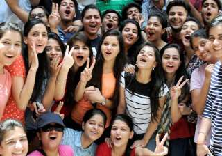 CBSE class 10th pass percentage falls to 90.95 pc...
