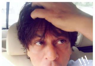 Shah Rukh Khan reacts to his death hoax rumours,...
