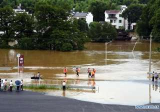 China floods: At least 34 killed, 4.5 lakh people...